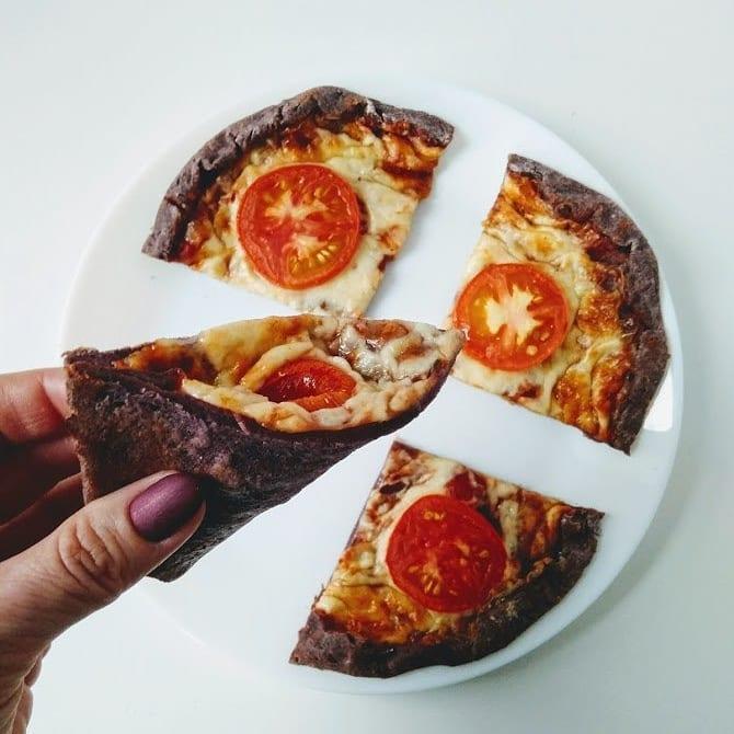 Дьявольская черная пицца