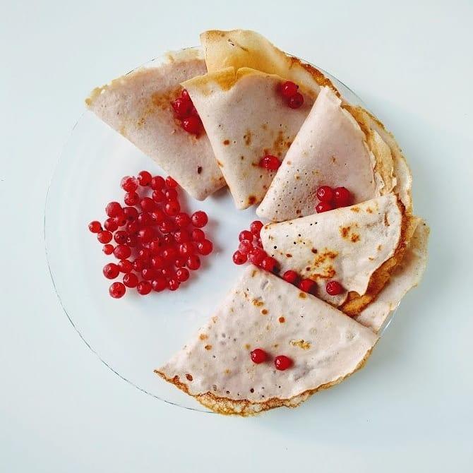 Розовые протеиновые блины