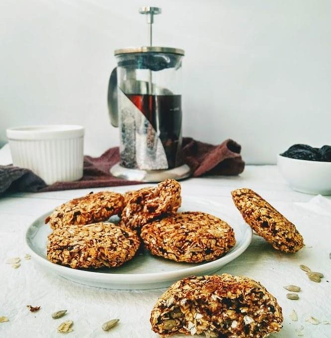 Овсяное печенье с черносливом