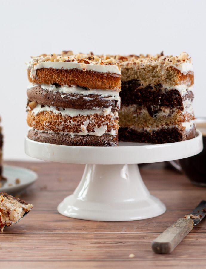 Торт с черносливом и фундуком без муки